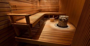 Výhody a rizika saunování