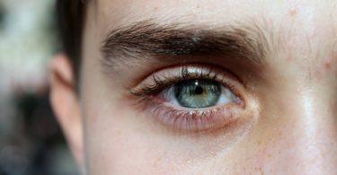 DIY: Jak si vyrobit domácí oční korektor na tmavé kruhy pod očima?