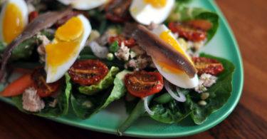 Vyzkoušejte lehké a netradiční letní saláty