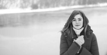 Zima už klepe na dveře – zachumlejte se do teplého kabátu