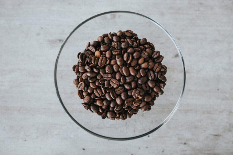 Káva jako pomocník proti celulitidě a nateklým očím
