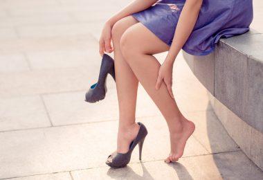 Pozor na chůzi na podpatcích