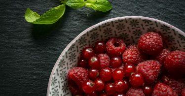 Podzimní péče o pleť: Dopřejte si malinový olej, který se hodí pro pleť suchou, aknózní i ekzematickou