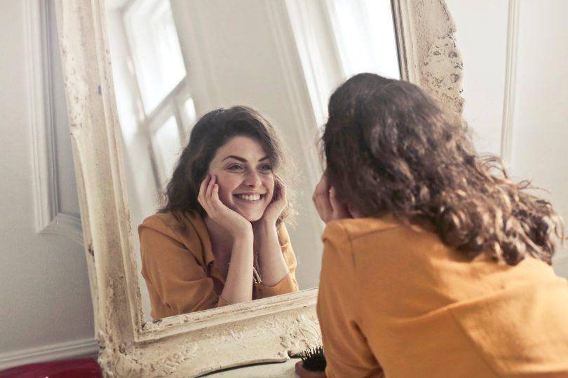 Proč většina žen o své kráse pochybuje? Patříte k nim také?